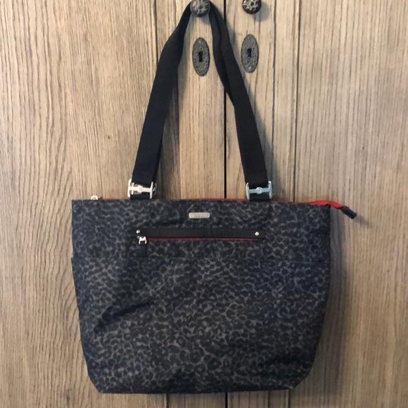 Baggallini Handbags - Baggallini Animal Print Tote Bag